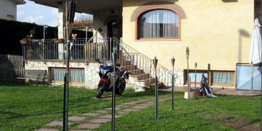 Villa via Pietro Fraticelli, Roma