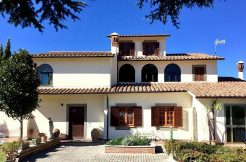 Villa viale G Sarti, Onano