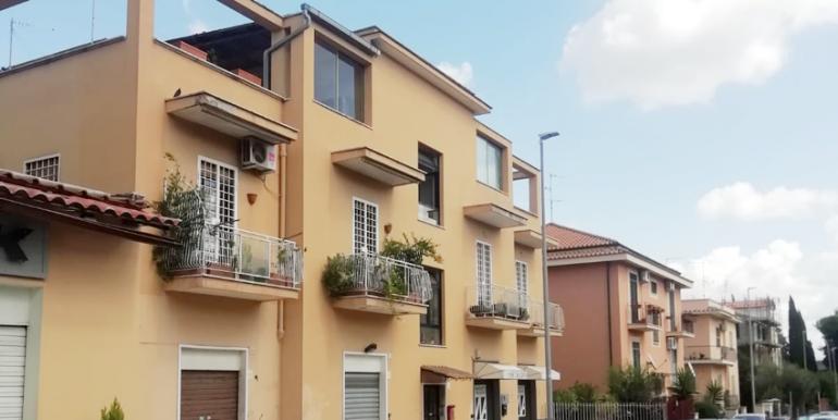 Bilocale Via San Tarcisio, Roma