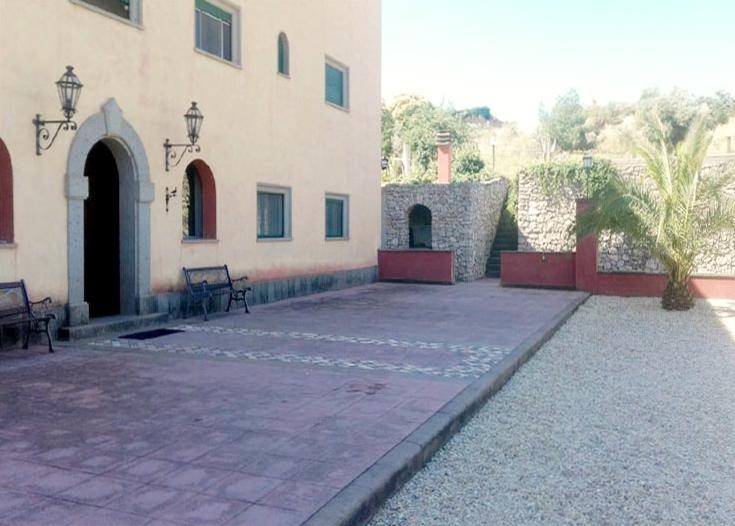 Casale in città – zona Castel di Leva